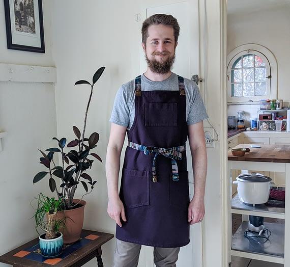 how to make a cross-back apron