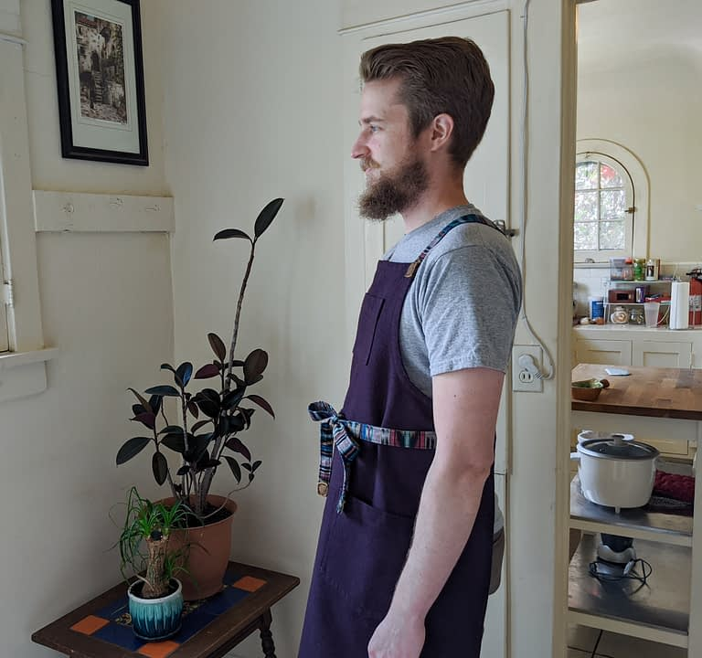 Cross back apron.