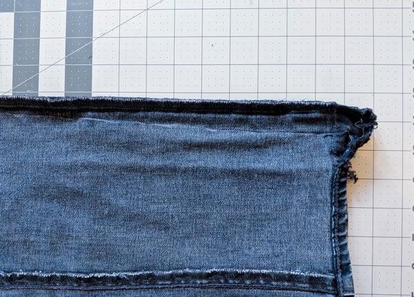 tapered jeans seamline