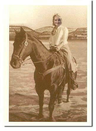 Western Kate Winslet Dreams